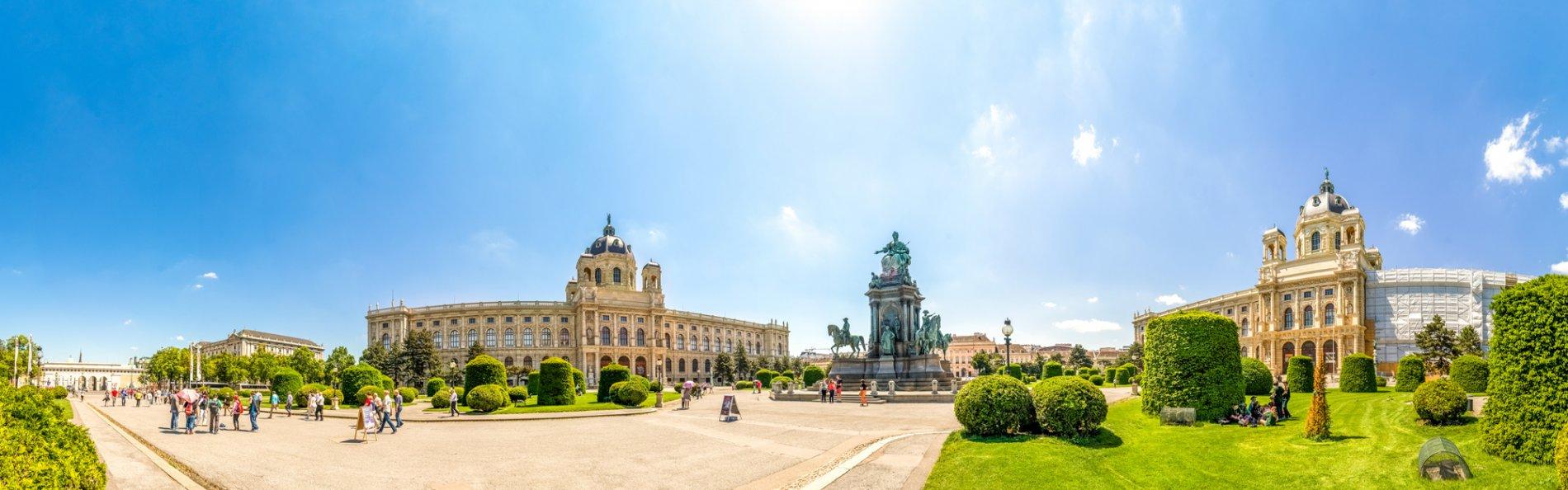 Vienna – Cesky Krumlov – Prague Tours